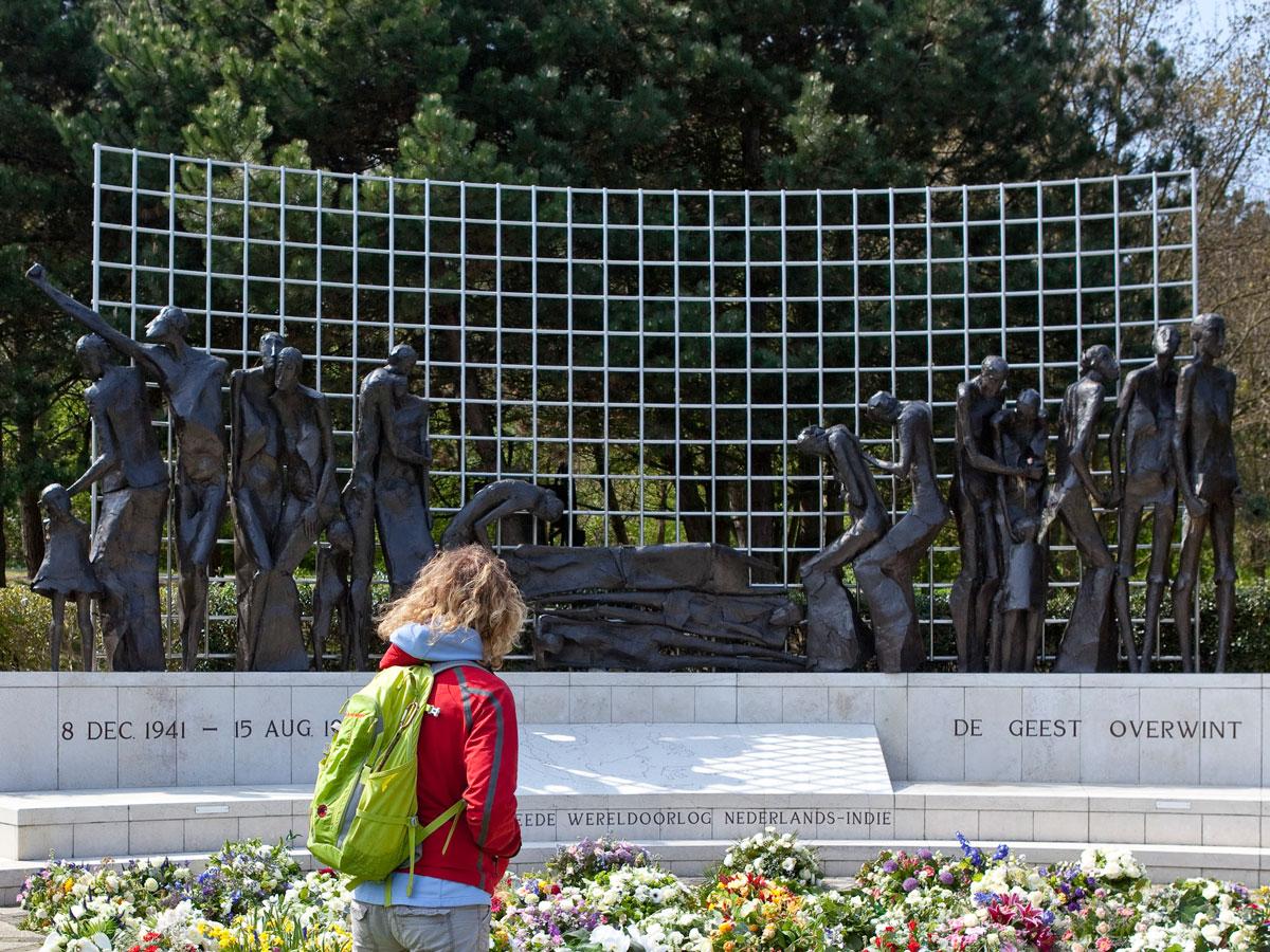 Scheveningse-Bosjes_Indisch-Monument_Jaroslawa-Dankowa--001