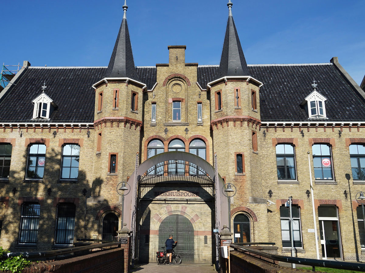 FAC-Fietsen-Leeuwarden-Blokhuispoort-gevangenis-infocentrum-hostel